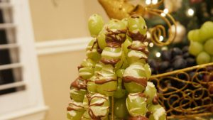 Pretty Lady Grape Christmas Tree