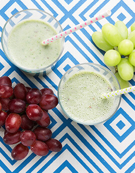 Pretty Lady Grapes Green Smoothie